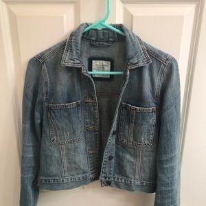 Abercrombie & Fitch cropped jean jacket